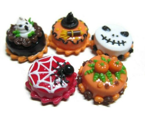 1 Set of 5 Mini Halloween Cakes Dollhouse Miniatures Food Bakery 1.50 cm