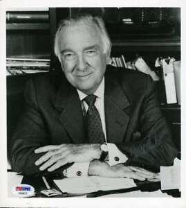 Walter-Cronkite-Psa-Dna-Coa-Hand-Signed-8x10-Photo-Original-Autograph