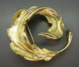 mint condition golden color leaf 2 good quality Fancy brooch
