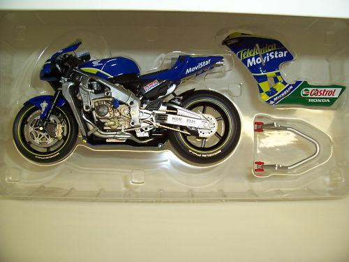 MOTO HONDA RC211V KIYONARI 2003 au 1 12 MINICHAMPS 122037123 miniature