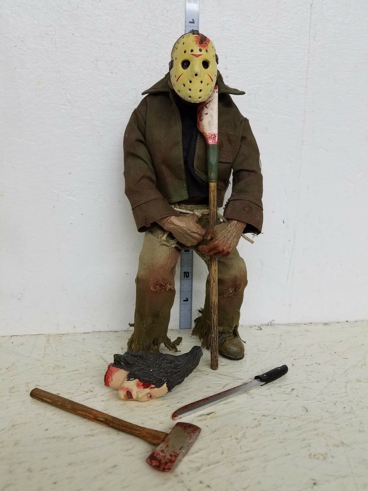 Mezco cinema of fear friday the 13th Jason Voorhees Figure 10 in (environ 25.40 cm) loose
