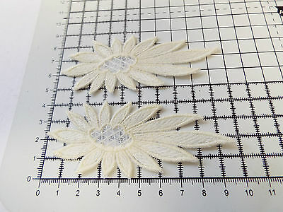 4cm Iron on // sew on Applique Daisy-Flower Motifs x 5 Guipure Lace Pink