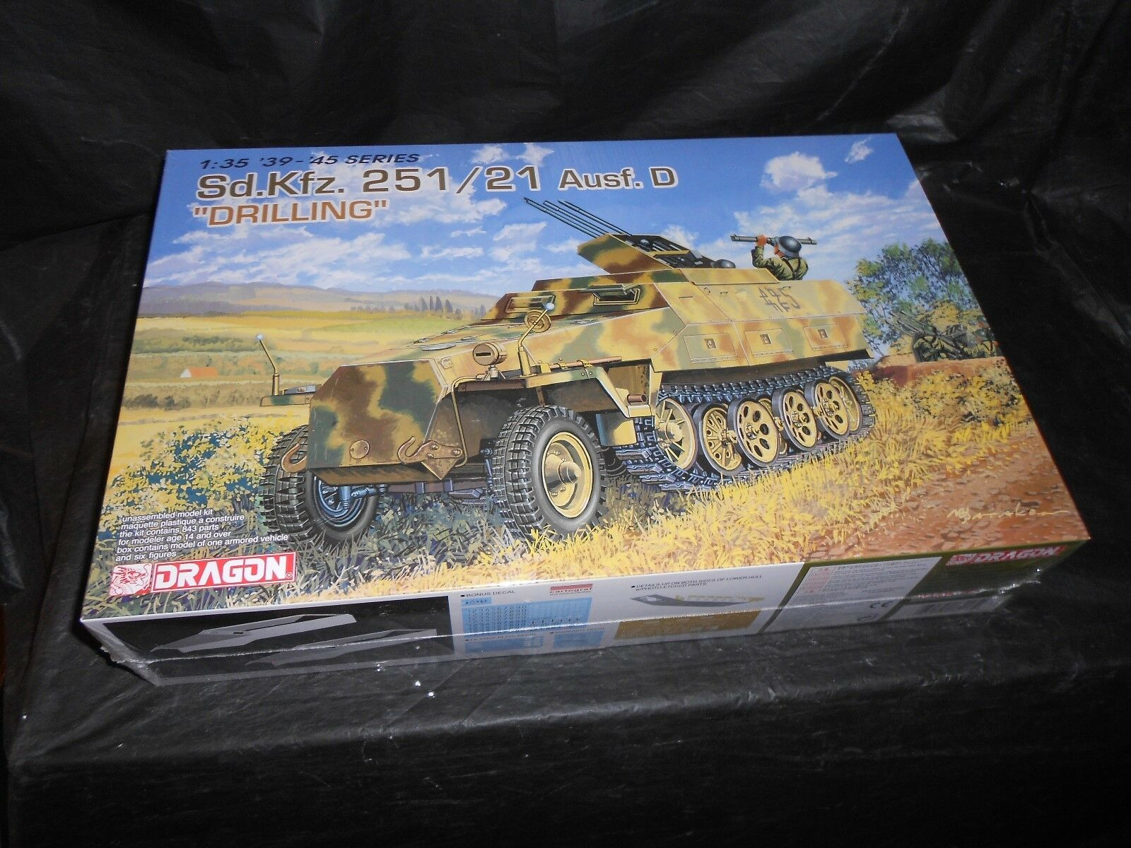DRAGON 6217, 1 35 SD.KFZ. 251 21 AUSF.D  DRILLING  PLASTIC MODEL KIT