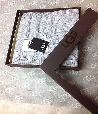 UGG AUSTRAILA NOHO LIGHT GREY INFINITY SCARF NEW IN BOX ONE SIZE FITS ALL
