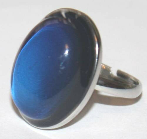 AWESOME VINTAGE 70'S STYLE OVAL MOOD RING FREE COLOR CHANGE CHART ADJUSTABLE
