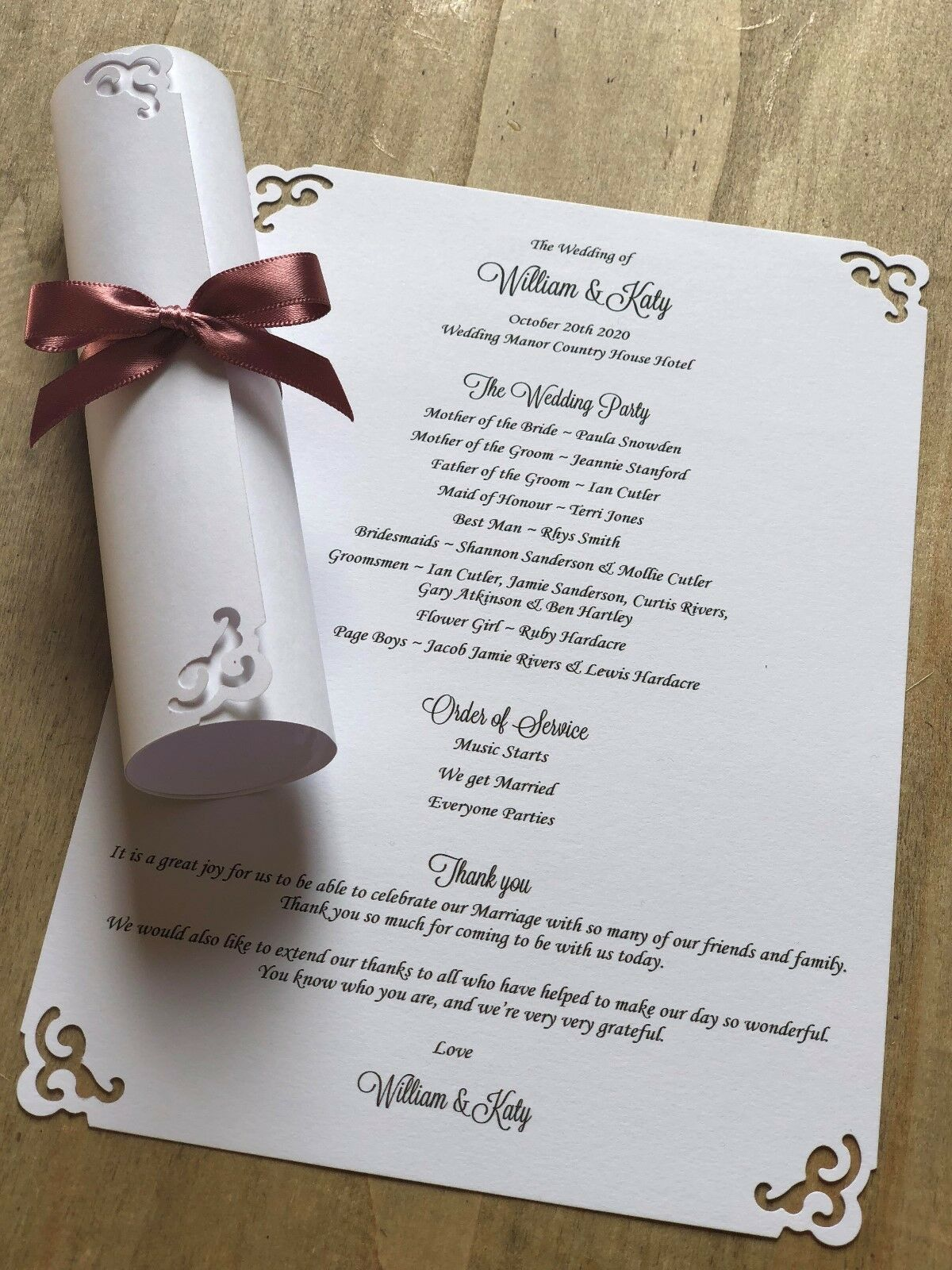 100 Personalised Weiß Wedding Order of Service Scrolls Swirl design ribbon bows