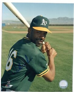 WILLIE-WILSON-Autographed-8x10-Photo-COA-Pose-4-MAX-SHIPPING