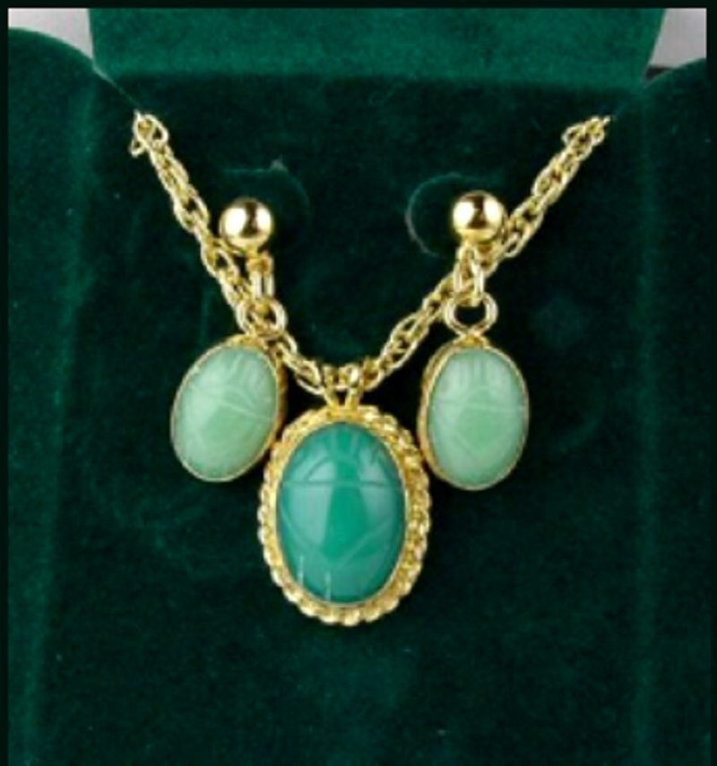 CONJUNTO PIEDRA ESCARABAJO DE AVENTURINA green Y gold(OBS.DESCRIPCIÓN INTERIOR)