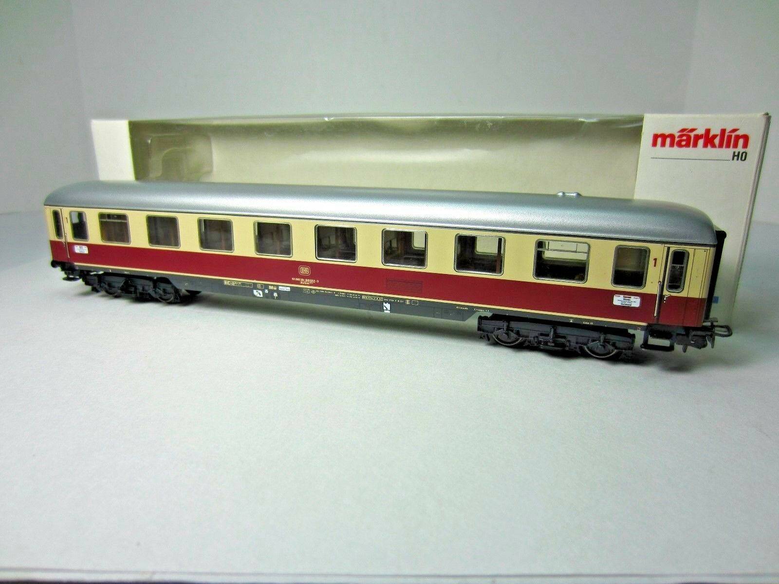 MARKLIN 4085 GERMAN FEDERAL RAILWAYS TEE PASSENGER CAR SET