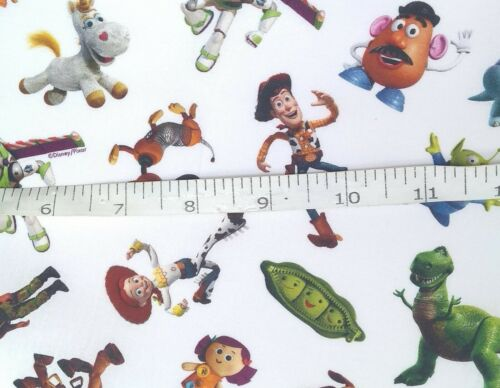 Toy Story Tissu 100/% Coton Fat Quarter Demi Mètre Off the Roll Extra Large