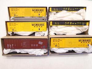 Roundhouse-Ho-Freight-cars-kits-6-Milwaukee-Road-Railgon-sr479