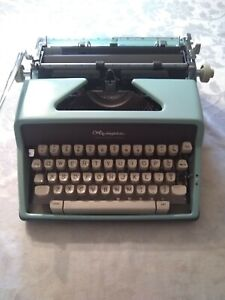 Olympia De-Luxe Typewriter SM7 West Germany Blue Teal Turquoise Deluxe with Case