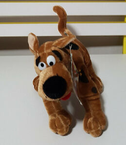 MOVIE-WORLD-THE-GOLD-COAST-SCOOBY-DOO-CHARACTER-PLUSH-TOY-SOFT-TOY-24CM-TALL