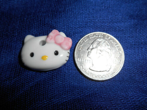 HELLO KITTY White FACE HEAD PLAQUE PENDANT Charm Figurine French Porcelain FEVES