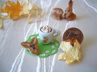 =1 x OSTER-KAFFEE mit HASENGEBÄCK= Puppenstube Puppenküche 1:12 / 1:10 by HW