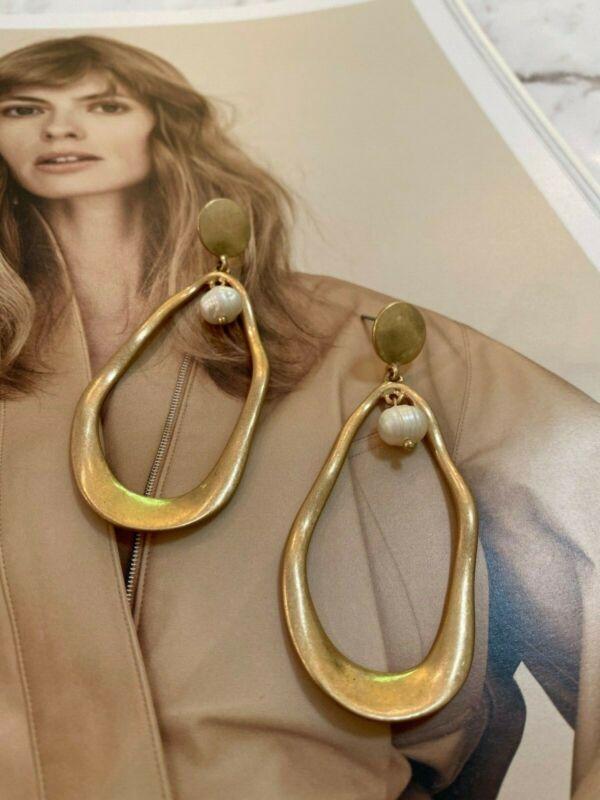 Latoir Instagram Blogger Gold Pearl Minimalist Statement Drop Dangle Earrings Bn