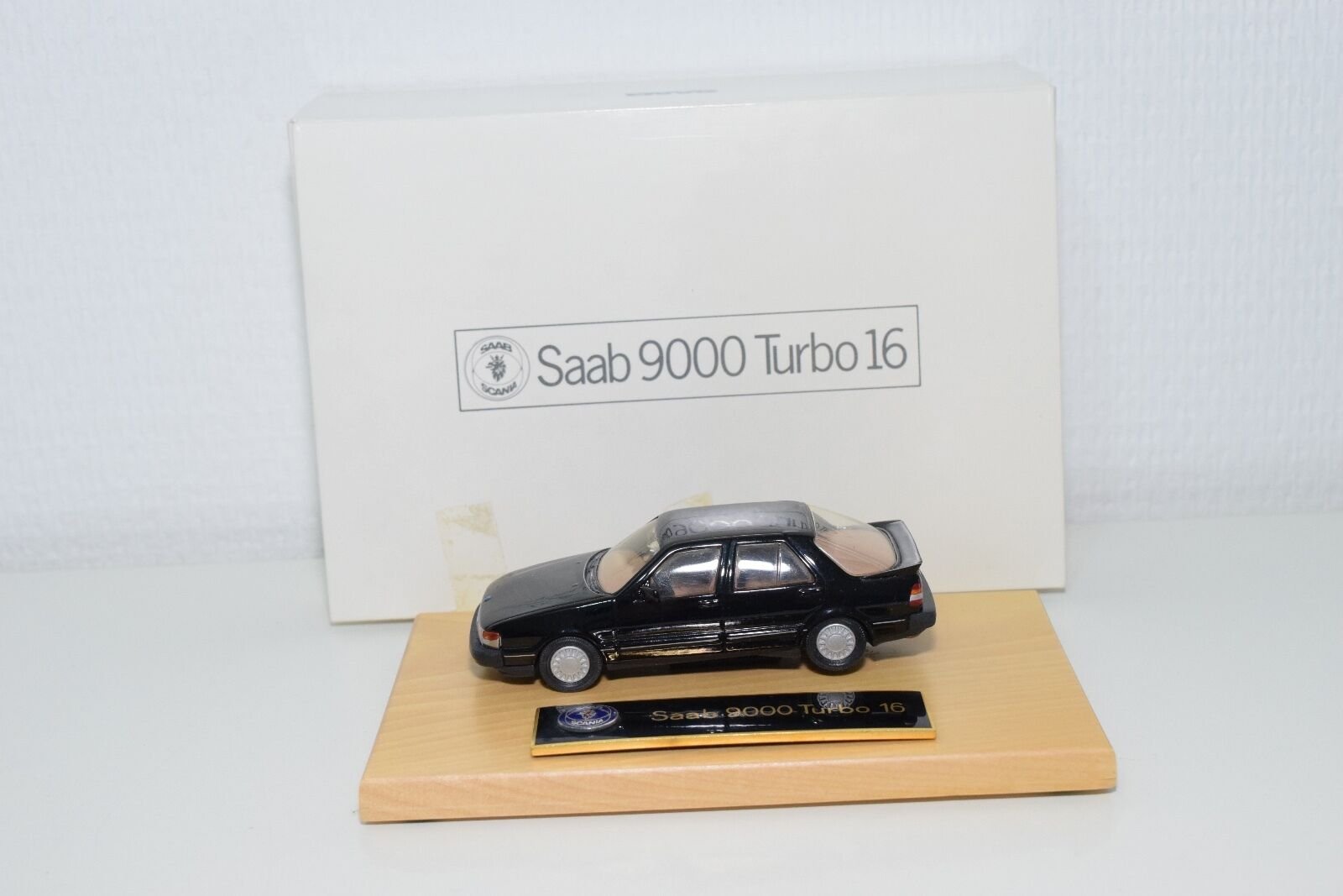 buen precio SOMERVILLE MODELS 122 SAAB 9000 TURBO 16 16 16 Negro DEALER MINT BOXED RARE SELTEN  Ahorre hasta un 70% de descuento.
