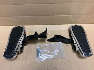 Harley-Davidson-Softail-Deluxe-Chrome-Passenger-Footboards-50377-07A