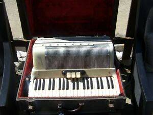 Scandalli Accordian MADE IN ITALY