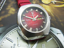 VINTAGE ZODIAC SST 36000 GENTS WATCH DAY DATE RED DIAL RARE.