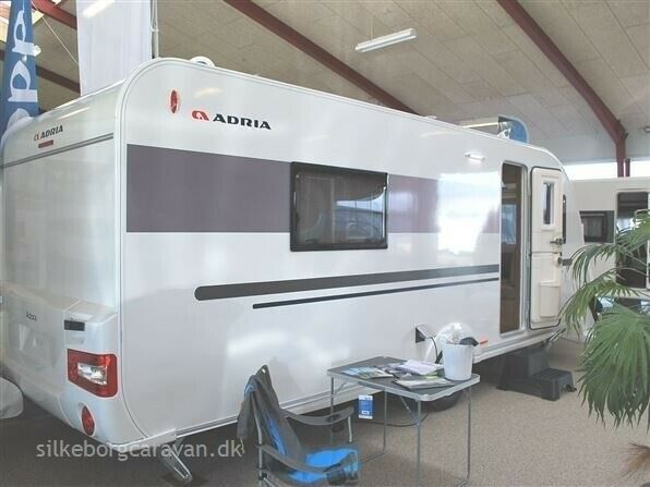 Adria Adora 572 UT, 2019, kg egenvægt 1300