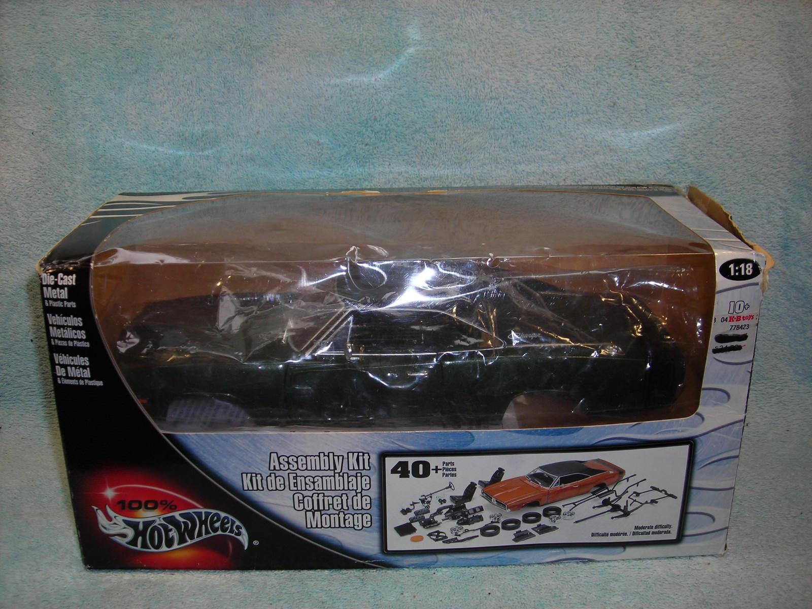 presentando toda la última moda de la calle Diecast Escala 1 1 1 18 1969 Dodge Charger en verde \ negro súperior al 100% Hot Wheels.  hasta un 60% de descuento