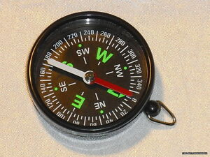 Kompass-zur-Orientierung-Traditionelle-Kompassnadel