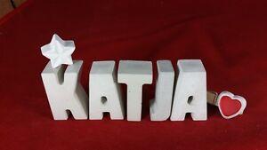 Beton-Steinguss-Buchstaben-3D-Deko-Namen-KATJA-als-Geschenk-verpackt