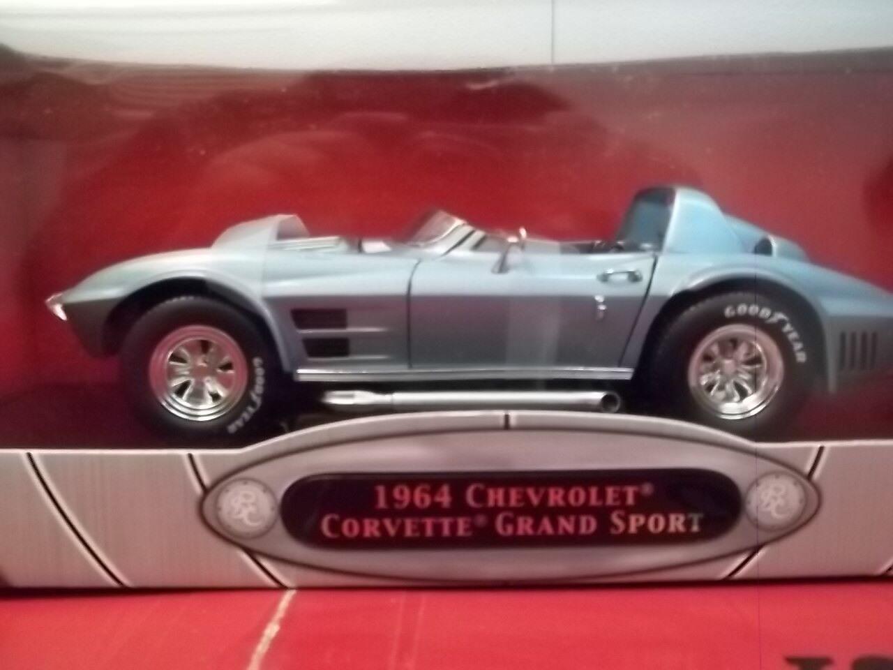 1964 Chevrolet Corvette Grand Sport bluee 1 18 Road Legends YatMing