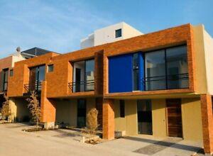Casa de lujo con roof garden en venta en Capital Norte coto Sivec