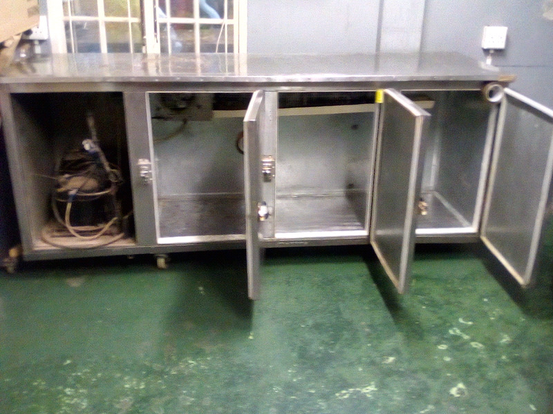 CHILLER single phase s/steel ,3 door,(600x1800mm) in good working condition