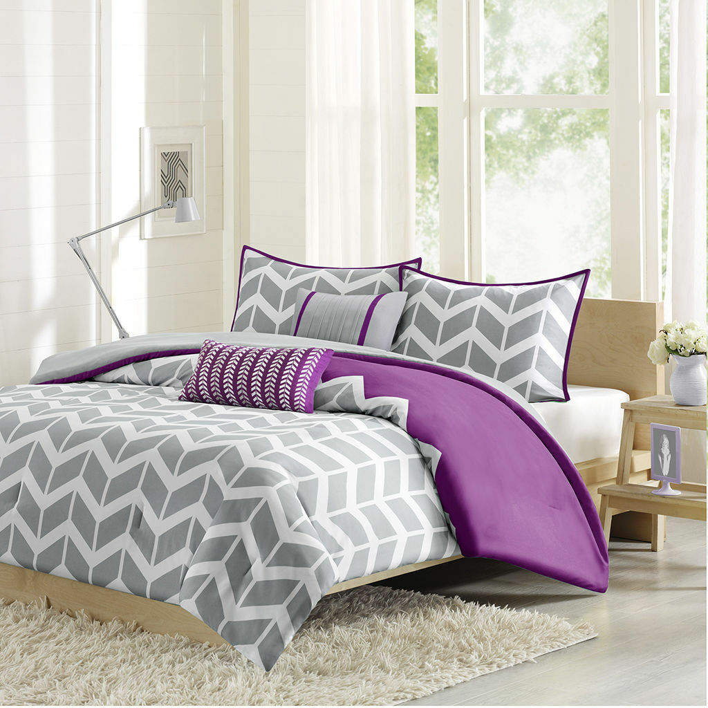BEAUTIFUL lila grau Weiß ZIG ZAG CHEVRON STRIPE SOFT COMFORTER SET & PILLOWS