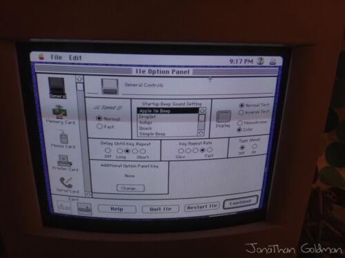 Macintosh Color Classic MYSTIC Apple IIe 36MB RAM 18GB HD 68040 Vintage Rare Mac
