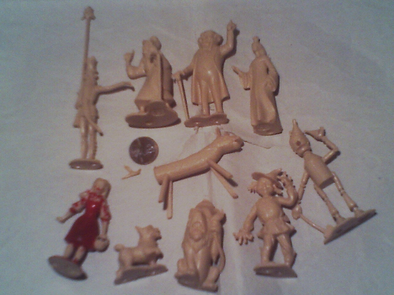 The WIZARD OF OZ PLAYSET FIGURES LOT (10) MARX TOYS MGM 1967 LAND OF OZ RARE SET
