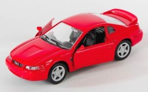 BLITZ-VERSAND-Ford-Mustang-GT-1999-rot-red-1-32-Welly-Modell-Auto-NEU