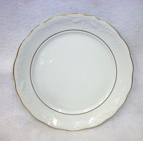 Gibson Golden Legacy China White Scalloped Gold Trimmed Dinner Plate