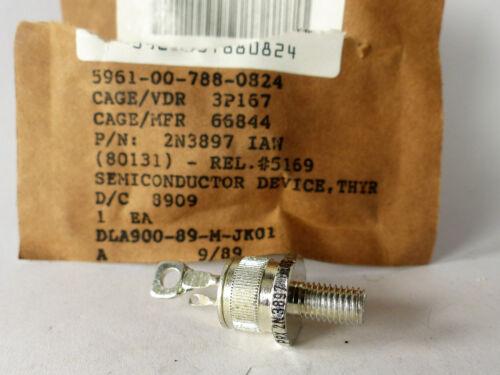 300 V 22 Ampere 2 N 3897 Thyristor  2N3897 NOS