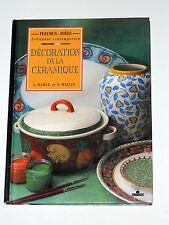 Décoration de la céramique Carreaux décorés au pochoir Assiette décorative Vase