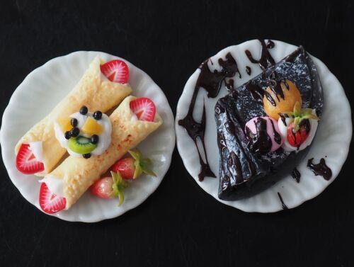 Dollhouse Miniature Cold Fruit Crepe & Charcoal Crepe Dessert Ice Cream Food