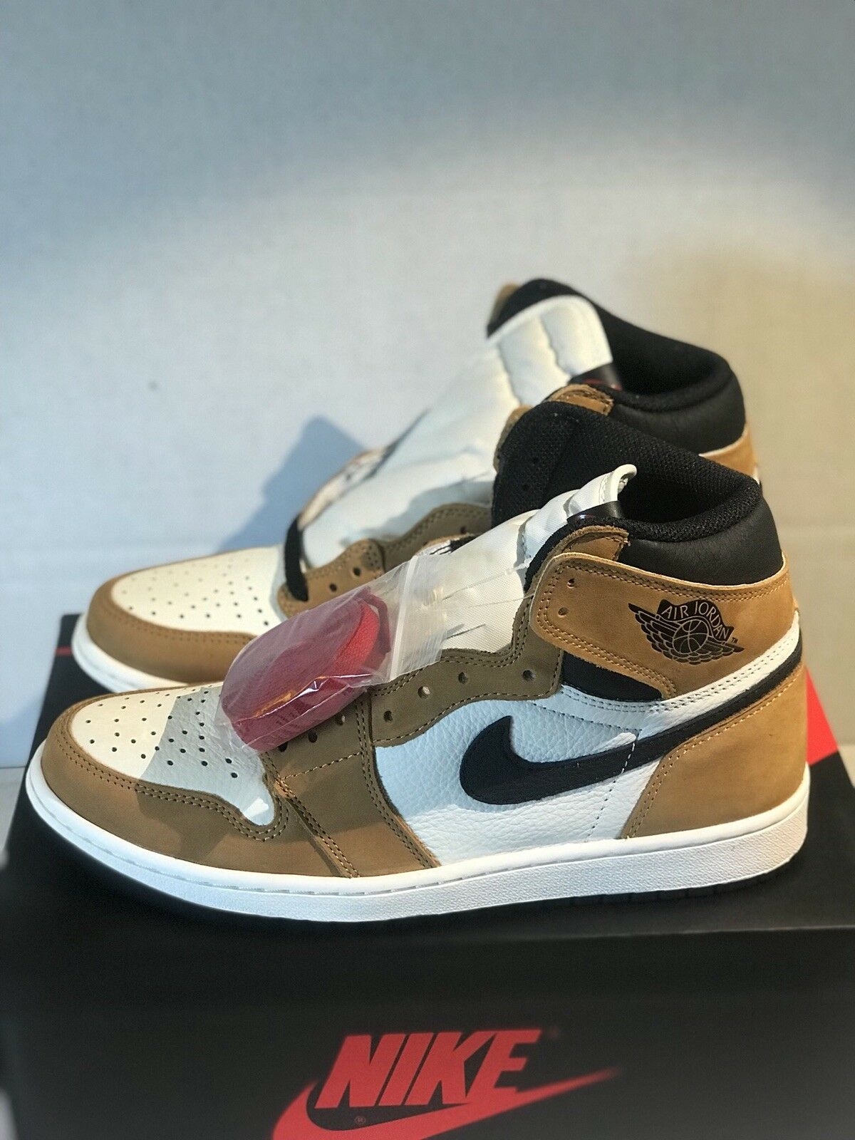 best service 201bb fad4e Air jordan 1 retro high og rookie of the year Size 9