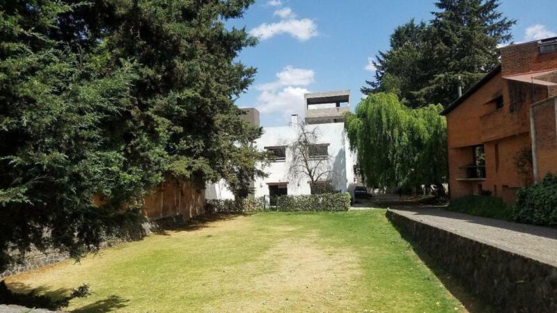 Bonita Casa en San Mateo - Extensas áreas verdes