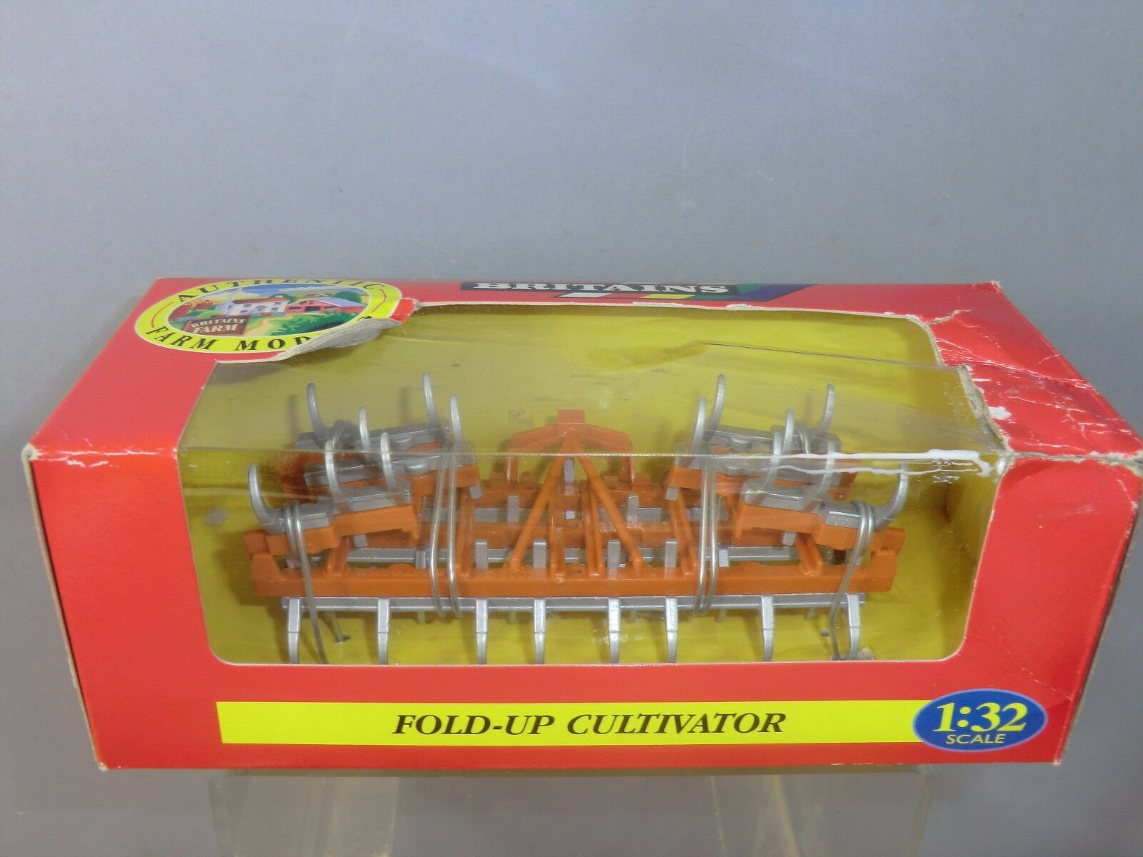 BRITAINS MODEL  No.9550 FOLD-UP CULTIVATOR          VN MIB