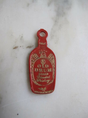 OLD DRUM Calvert WHISKEY Advertising Key Chain Fob TOKEN CHARM LUCKY PIECE NYC
