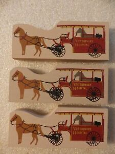 Cat-039-s-Meow-Village-Accessory-set-lot-of-4-Veterinary-Horse-amp-Wagon-pieces