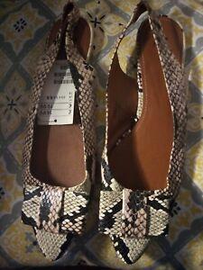 Detalles de Patrón De Serpiente Para Mujer H&m Taco Plano Puntiagudo Slingback zapatos talla 6.5 ver título original
