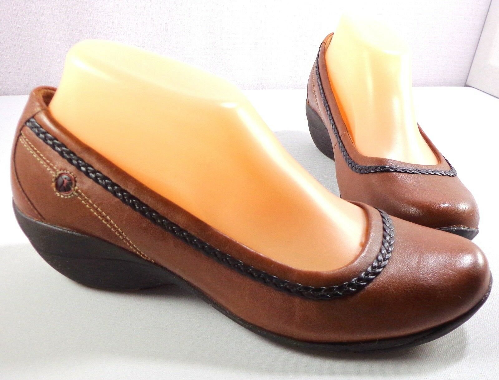 Hush Puppies Body shoes Womens Brown Leather Slip On Loafers Size 8 M