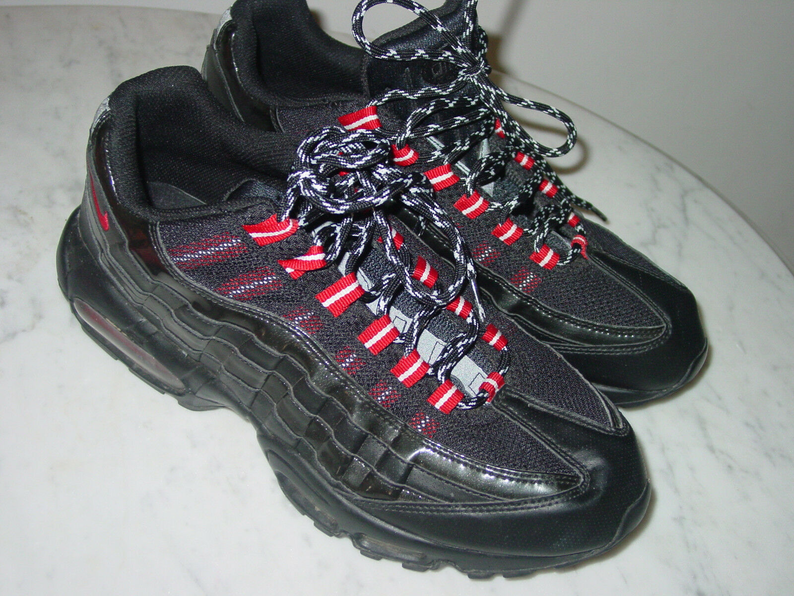 2010 Mens Nike Air Max 95 Black/Varsity Red Patent Leather Running Shoes Size 11