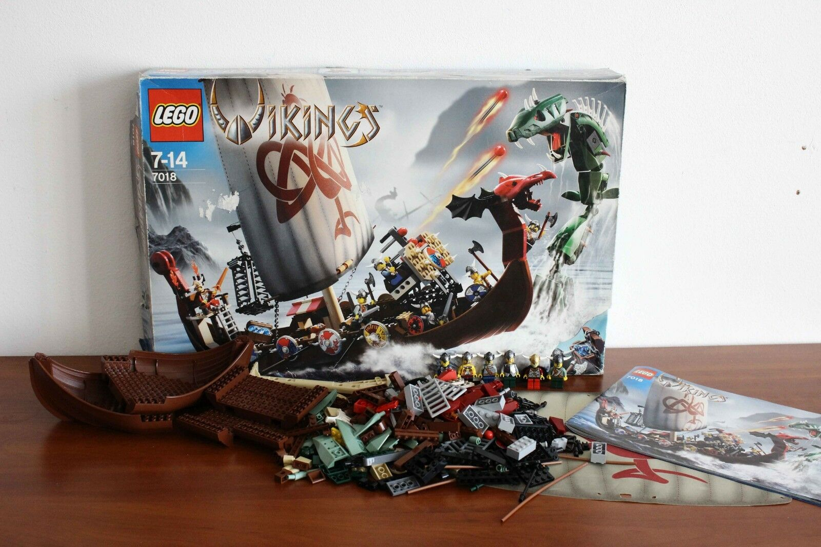 Lego Vikings Set 7018-1 Viking Ship challenges the Midgard Serpent 100% complete