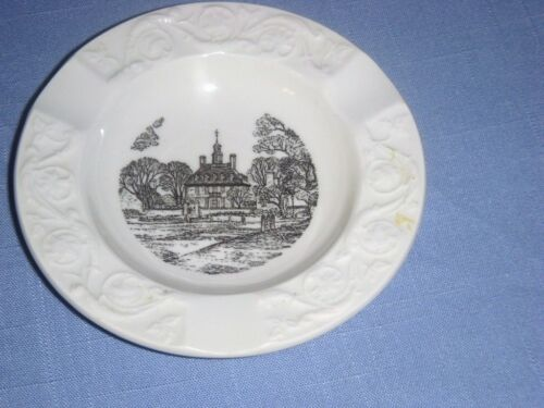 WEDGWOOD WILLIAMSBURG VA THE GOVERNOR'S PALACE ASH TRAY