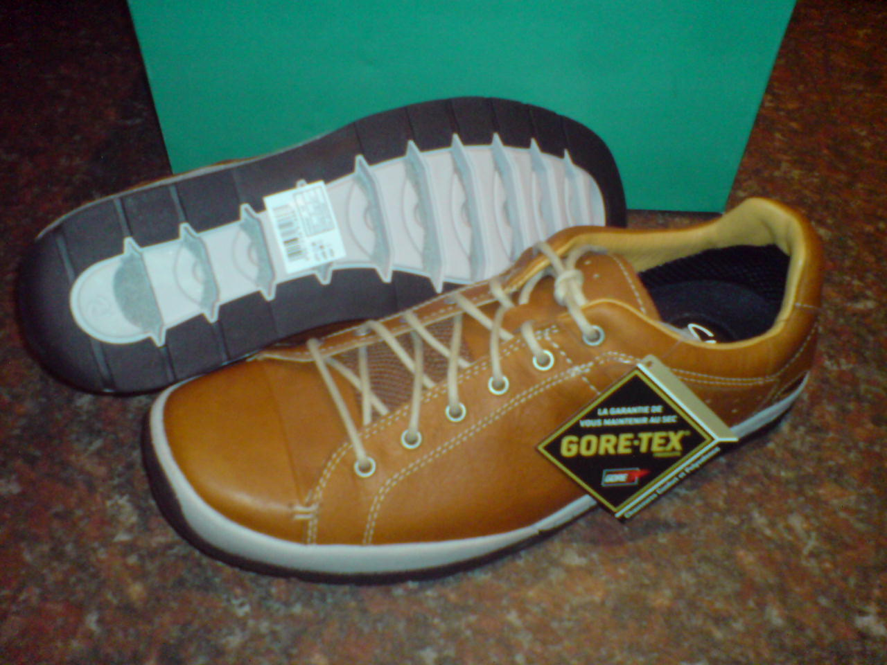 New Clarks Mens ROUND FUSE GTX, WATERPROOF CASUAL SHOE,TAN LEATHER
